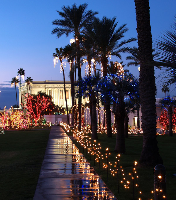 For The 35th Year, Mesa Arizona Temple Light Display Celebrates The Birth Of Christ