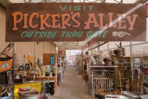"Merchant Square, on Arizona Avenue in north Chandler, boasts ""The Greatest Vintage Shopping Experience in Arizona,"" with aisle after aisle of collectibles, vintage treasures, repurposed furniture and antiques."