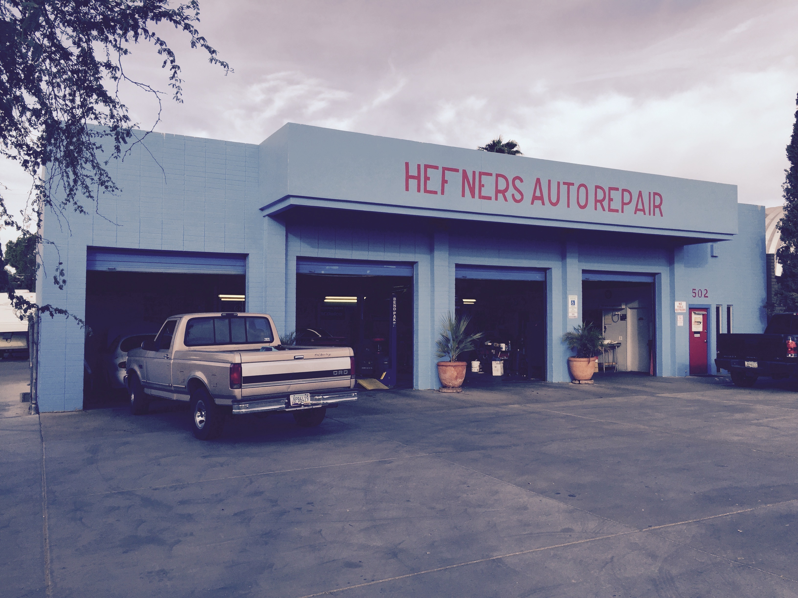 Blue Building, Family Business – Old-Fashioned Family-Owned Hefners Auto Repair Shop
